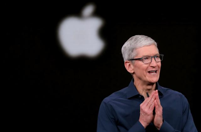 Apple CEO calls on Bloomberg to retract China surveillance report