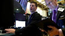 Índices de Wall Street fecham em alta, mas ações de semicondutores recuam