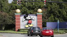 Disney World rouvre ses portes, en pleine flambée du coronavirus en Floride