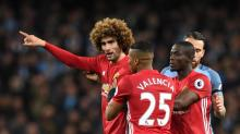 VIDEO - Fellaini pète les plombs face à City