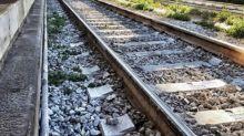 Suicidio a Mestre, 19enne si butta sotto il treno davanti alla madre