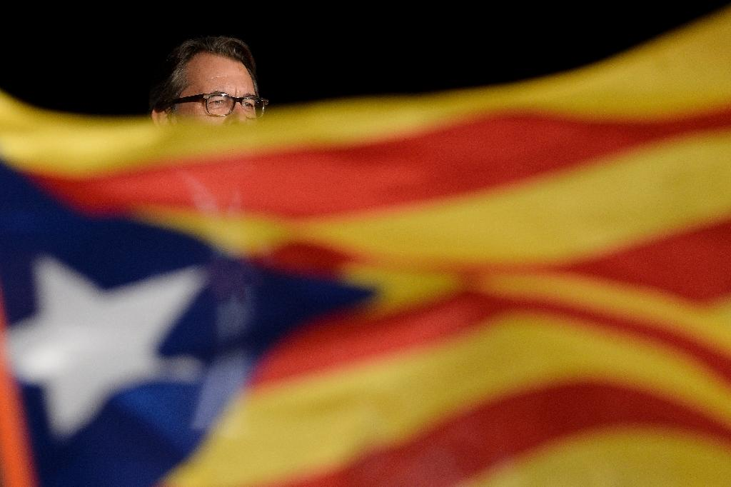 A far-left Catalan separatist party says it will not back a new regional government led by outgoing president Artur Mas, pictured on September 25, 2015 (AFP Photo/Josep Lago)