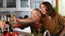 Amy Poehler and Maya Rudolph get wine wasted in Netflix's 'Wine Country'trailer