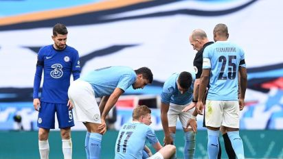 Kevin De Bruyne injury 'doesn't look good' in major blow to Manchester City ahead of Carabao Cup final