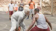 Shaquille O'Neal, Reggie Miller e outras lendas do basquete estrelam comédia 'Tio Drew'. Veja trailer