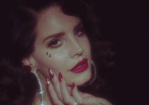 Lana Del Rey S Young And Beautiful Video Deco Or Dystopian