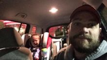 Pai faz desabafo sincero após birra da filha em restaurante