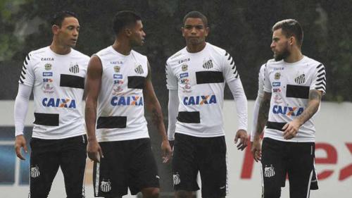 Titulares descansam, e Santos tenta 'ganhar' um dia antes de decisão
