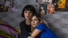 Série italiana que estreia esta sexta na Netflix é acusada de promover tráfico sexual