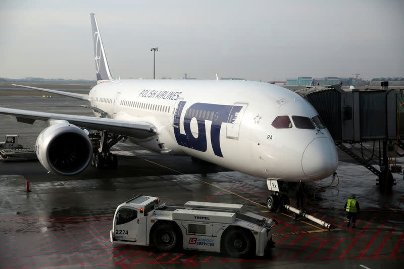 Poland's LOT in talks to convert Boeing Dreamliners for freight