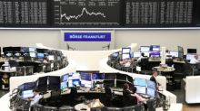 Índices recuam com dados industriais fracos e preocupações sobre o Brexit