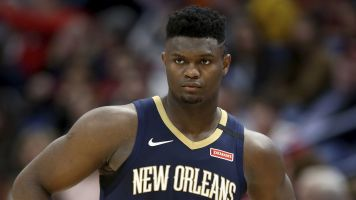 Masked ... and muscular: Zion can carry Pelicans