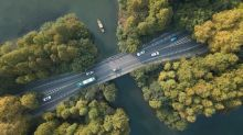 Daimler und Geely starten Limousinen-Service in China