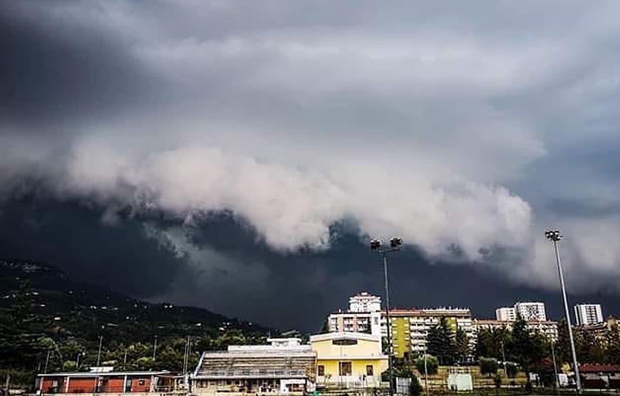 Maltempo ad Ascoli Piceno, tempesta di grandine colpisce ...