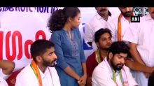 Kerala Student Union members stage protest demanding probe into answer sheet seizure from SFI activist's house