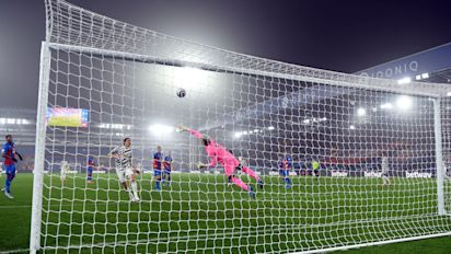 Manchester United fire blanks again in dour draw against Crystal Palace