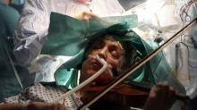 Elle joue du violon pendant son opération du cerveau pour préserver son don