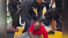 Los Angeles, la polizia distrugge la carrozzina di Joshua Wilson