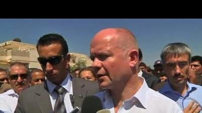 Hague visits Syrian refugees