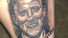 Hinchas ingleses festejaron antes de tiempo y se tatuaron como campeones del mundo