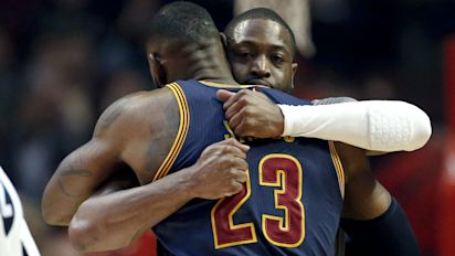 Report: Wade to reunite with LeBron on Cavs
