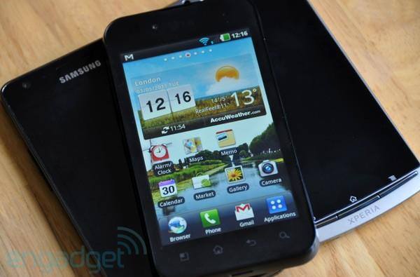 LG Optimus Black vs. Galaxy S II and Xperia Arc... fight!