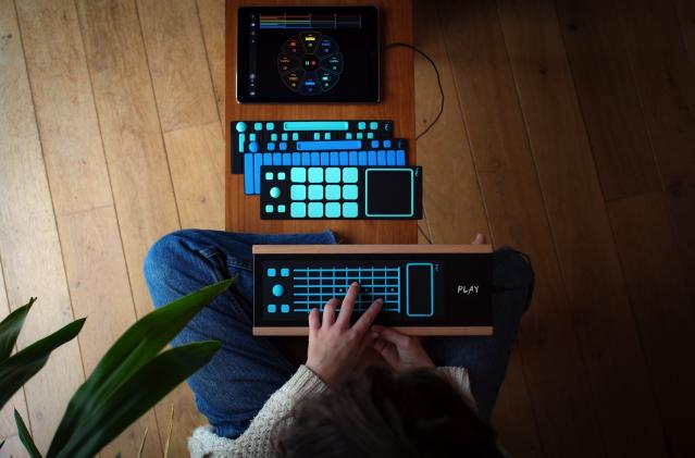 Joué Play is a cheap, simple and customizable MIDI controller
