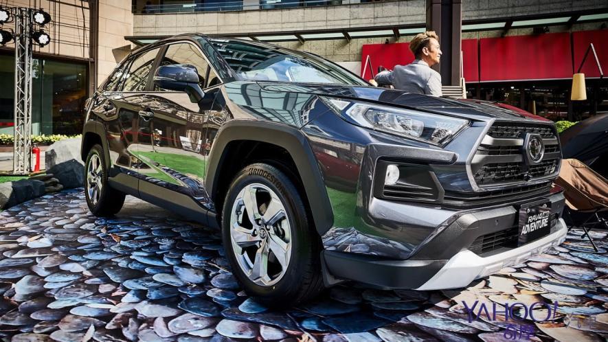 休旅王者霸氣回歸!第5代Toyota Rav4汽油/油電正式登台92.5萬起! - 2