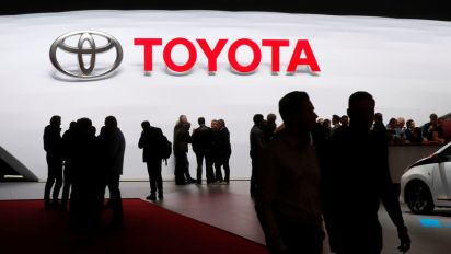 Toyota pauses self-driving car testing