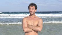 ¿Un concursante menos en 'Supervivientes 2020'? Antonio Pavón es desalojado de la playa por razones médicas