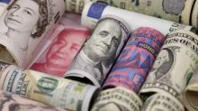 China clung to US dollars in 2015 as its stock market crashed and capital flowed out, SAFE figures show
