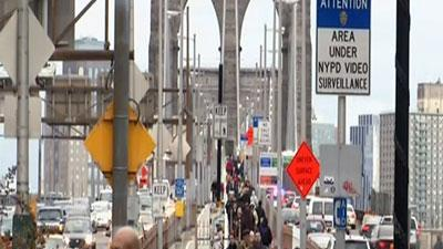 Raw: After Sandy, New Yorkers head back to work