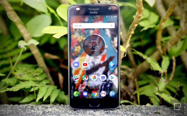 Motorola's Z2 Play sacrifices battery life for sleekness