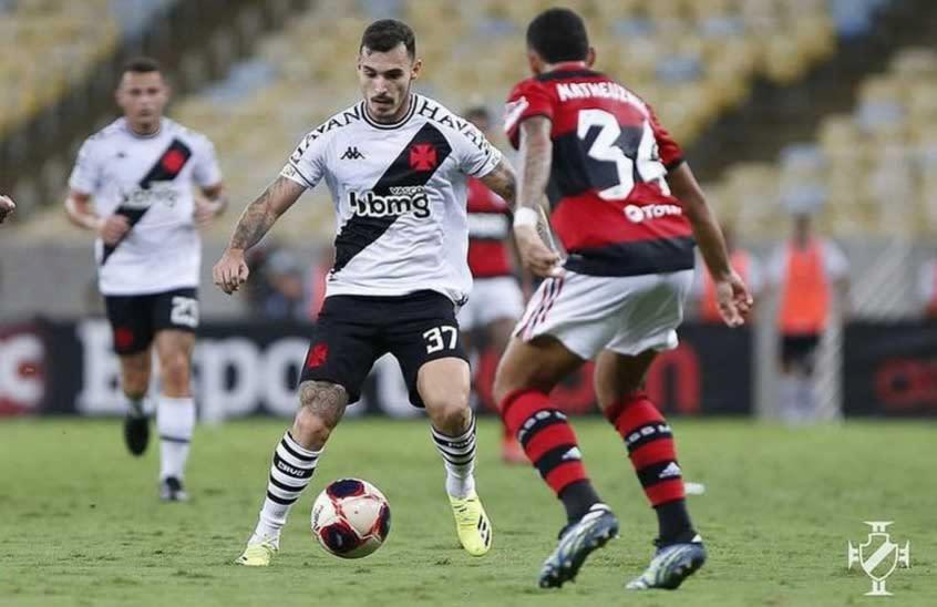 Zeca se destaca na lateral-esquerda e surge como possível solução para um problema crônico do Vasco