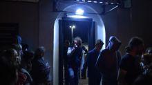 """""""Les militaires les ont mis face contre terre, pendant quatre heures, pour qu'ils 'sentent la patrie'"""" : des opposantes racontent la torture en Biélorussie"""