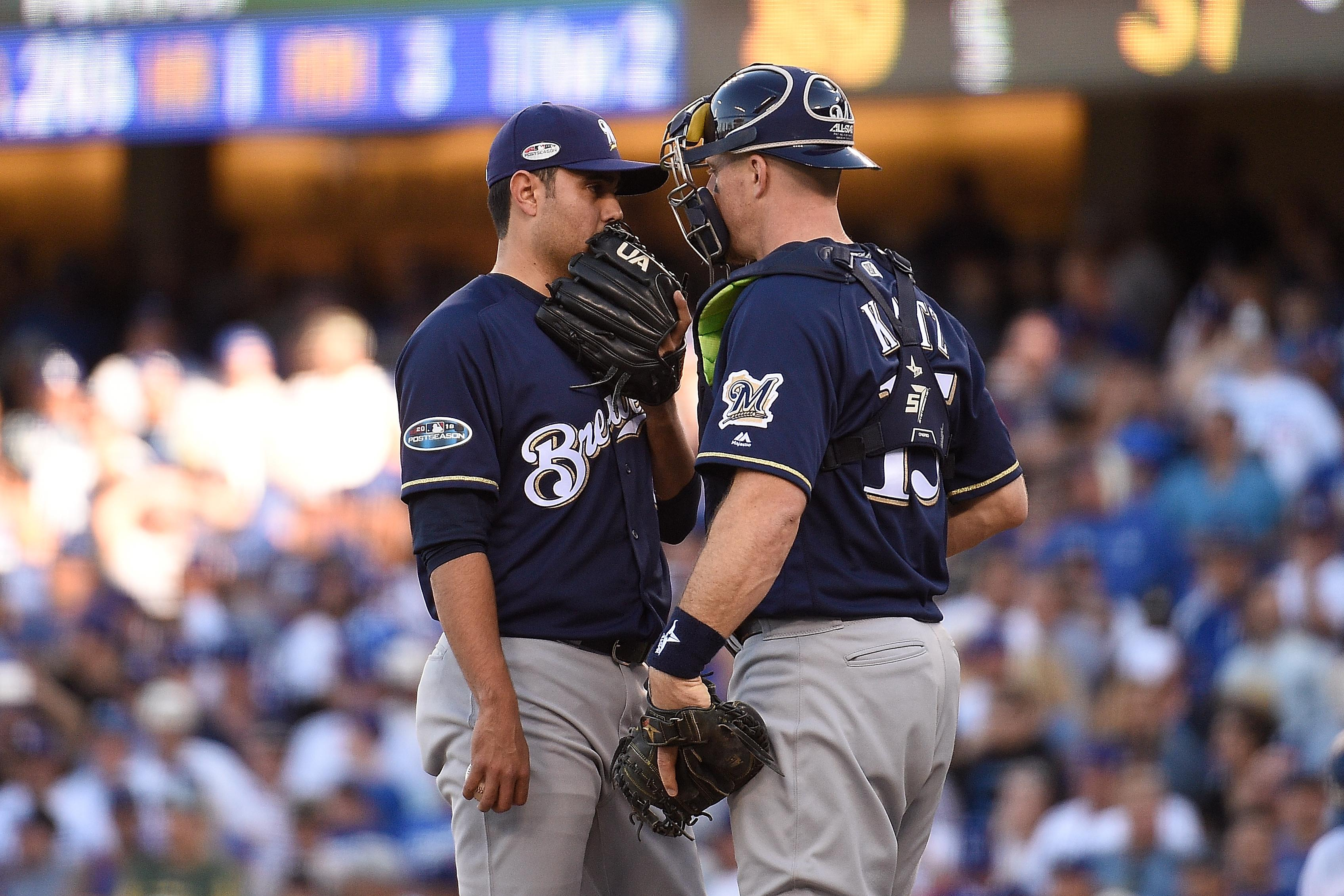 7cd2cef36 NLCS: Brewers suspect Dodgers are stealing signs