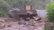 El Salvador reabre la industria de la construcción por las lluvias y espera los efectos de Cristóbal