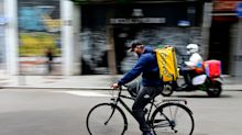 """""""Ídolo"""": Un 'rider' triunfa con su gesto a los manifestantes convocados por Vox"""