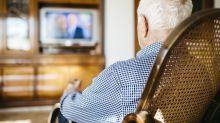 Remballez vos clichés, les seniors passent plus de temps devant des écrans que les jeunes