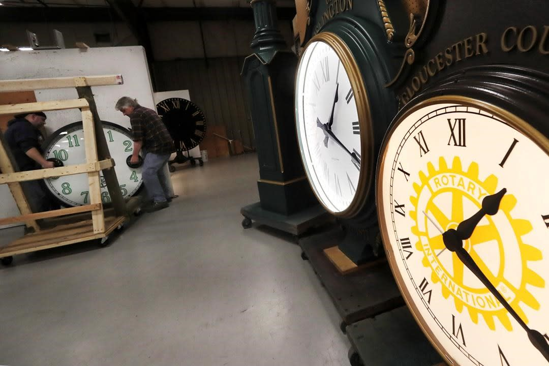 Ontario law to end clock changes will take effect if Quebec, New York follow - Yahoo News Canada
