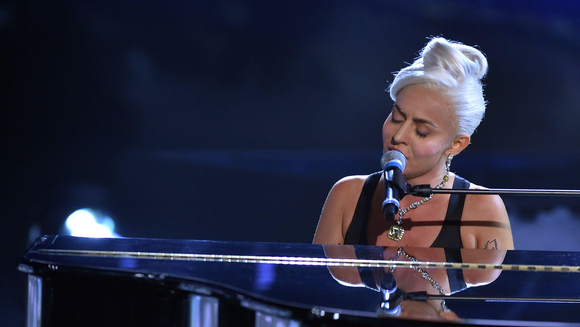 Lady Gaga Goes Pink After 'A Star Is Born' Reaches Double Platinum