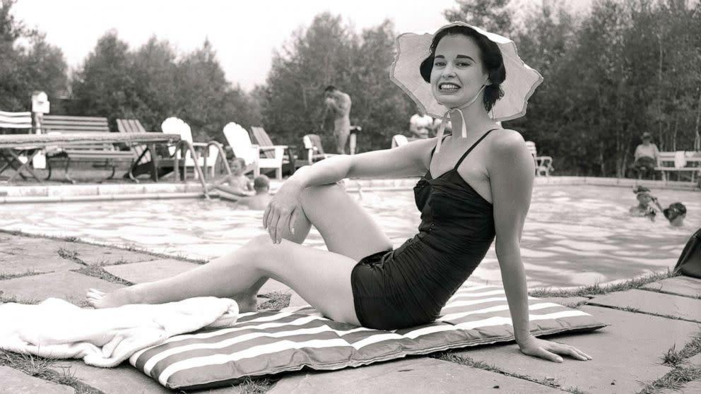2590ed2c6 Gloria Vanderbilt dies at 95 surrounded by loved ones, son Anderson ...