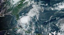 Isaías chega à costa da Flórida, que ensaia resposta em meio à pandemia