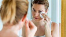 Mit Make-up ins Bett: Das sind die Folgen für Haut, Wimpern & Co.