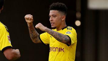 Sancho y jugadores del Dortmund rompieron protocolo para cortarse el pelo