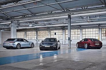 保時捷Panamera推出三款新車型,油電新旗艦 Panamera Turbo S E-Hybrid馬力上看700匹