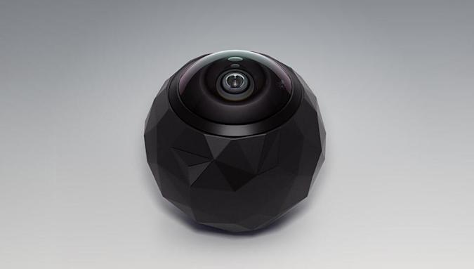 Record everything with this dive-friendly 360-degree action cam