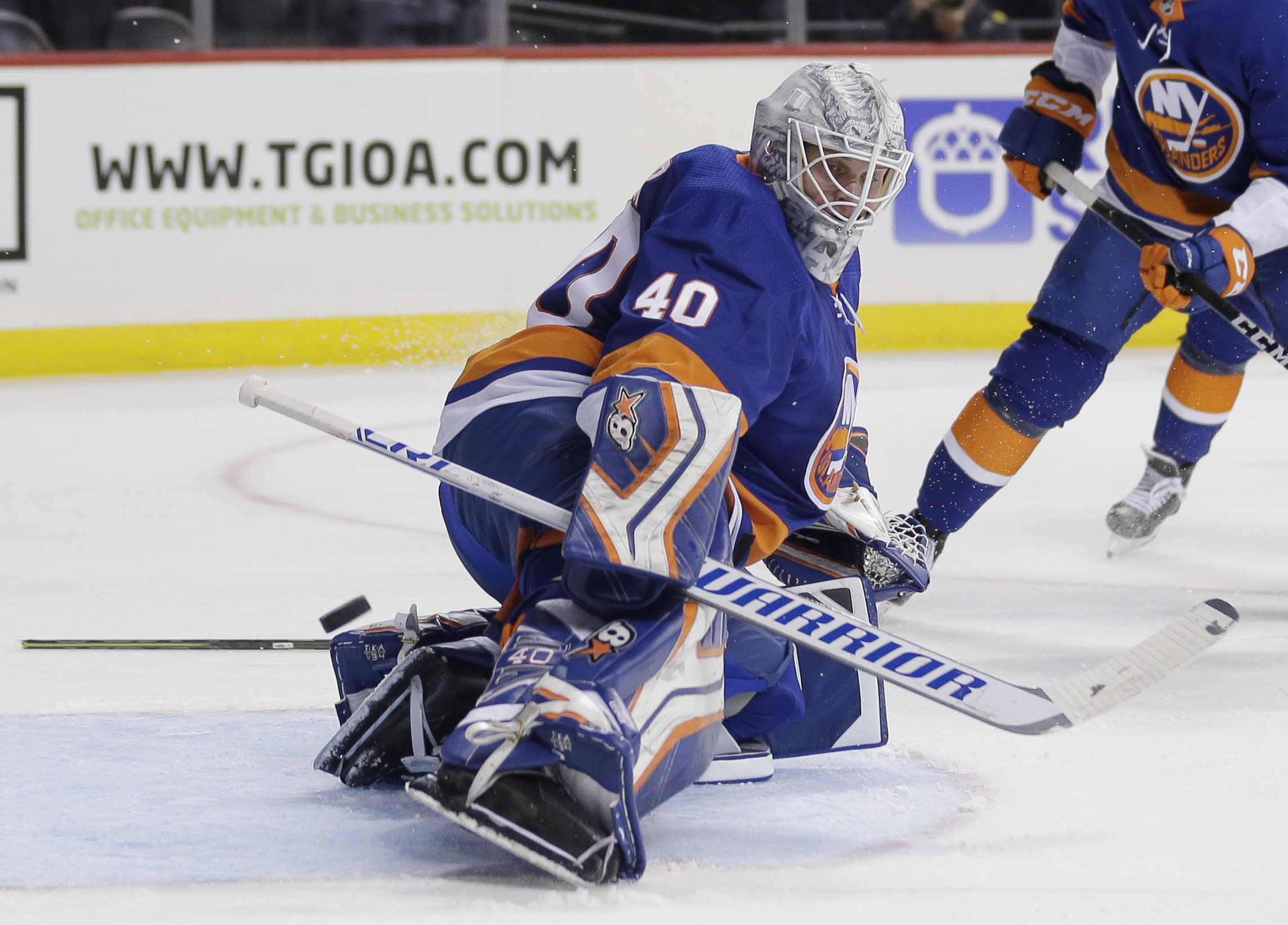 Robin Lehner posts shutout in first game since revealing addiction, bipolar diagnosis
