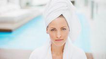 4 errores al secar el cabello al natural
