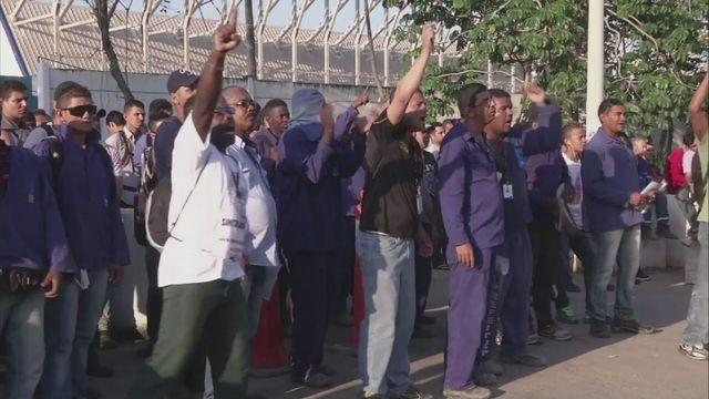 Workers at Rio Olympic Park continue strike